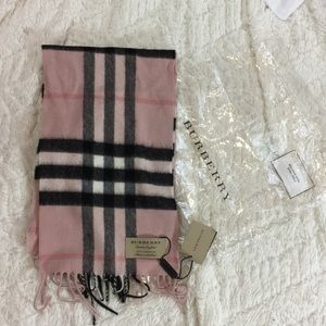 Burberry cashmere scarf NEW with tags